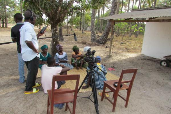 ELAR Project team from SOAS recording stories in Katoufoura