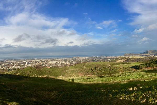 Photograph of the Edinburgh skyline